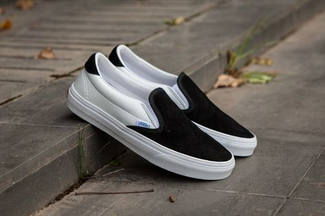 3d4522d7f8 Vans Vault OG Slip On 59 LX One Foot On 17SS Kanye Black White C329 Skate  Shoes  Vans