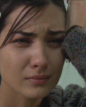 صور بنات تبكى صور بنات حزينه جدا مكتوبة على صور Girl Pics