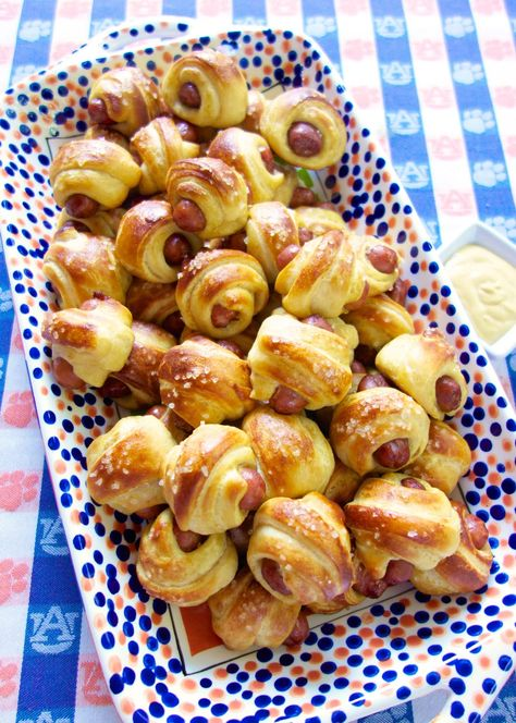 Pretzel Pig in a Blanket - transform refrigerated crescent rolls into a delicious snack!