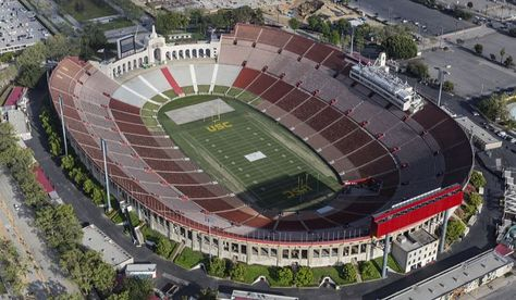 Largest Nfl Football Stadiums Nfl Football Stadium Football Stadiums Nfl Stadiums