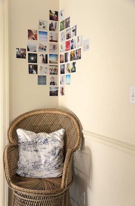 Make your own photo wall: 66 wonderful ideas and inspirations - photowall-ideas-family-photos-chair-pillow-light-brown-wall - Bedroom Wall, Bedroom Decor, Bedroom Corner, Room Wall Decor, Photowall Ideas, Polaroid Wall, Polaroids On Wall, Polaroid Pictures Display, Polaroid Display
