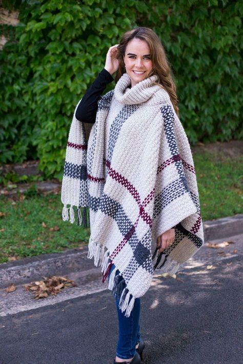 Glencoe Tartan Poncho Crochet pattern by Olivia Kent Yarn: 80% Acrylic 20% Wool, 113g (4oz), Chunky 6.5mm needles