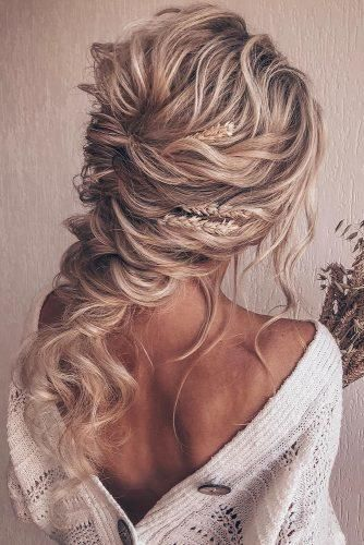42 Amazing Boho Wedding Hairstyles For Tender Bride Wedding Forward Bride Hairstyles Bohemian Wedding Hair Curly Hair Styles