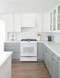 10 Fabulous Two Tone Kitchen Cabinets Ideas Samoreals Ide Dapur Dapur Ide Dekorasi Rumah