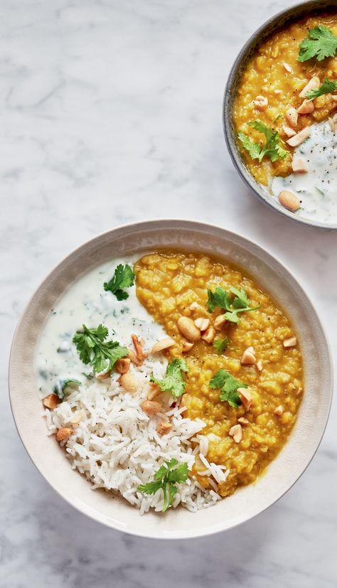 Dahl de lentilles corail, riz et cacahuètes