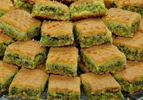 طريقة عمل معمول مد بالفستق الحلبي بالصحة والهنا Middle Eastern Food Desserts Cooking Recipes Lebanese Desserts