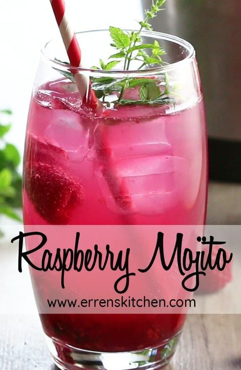 This raspberry mojito recipe is a refreshing drink that combines sweet raspberri. - This raspberry mojito recipe is a refreshing drink that combines sweet raspberri. This raspberry mojito recipe is a refreshing drink that combines s. Yummy Drinks, Healthy Drinks, Healthy Food, Food & Drinks, Nutrition Drinks, Food Food, Healthy Recipes, Raspberry Mojito, Raspberry Recipes