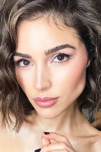 Olive Skin Tone Which Makeup Shades To Look For Glaminati Com Olive Skin Makeup Pale Skin Makeup Olive Skin Tone Makeup