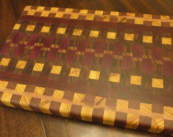 Articles Similaires A Planche A Decouper Chevron Issus De Bois Exotiques Dur Sur Etsy Avec Images Plancher Planche A Decouper Bois
