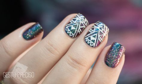These nails are readymade for a music festival (Lolla, anyone?).