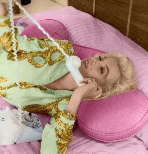 1962-06-tim_leimert_house-pucci_jacket-bedroom-by_barris-052-3c