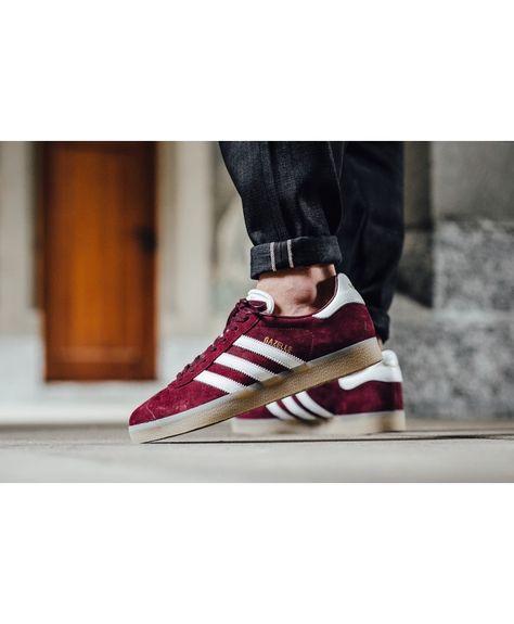 Adidas Gazelle Mens Shoes In Burgundy