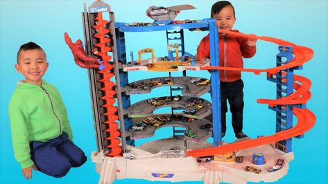 Biggest Hot Wheels Super Ultimate Garage Playset Unboxing Fun With