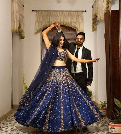 Indian Reception Outfit, Party Wear Indian Dresses, Desi Wedding Dresses, Indian Bridal Outfits, Dress Indian Style, Bridal Dresses, Indian Bride Dresses, Indian Bridal Party, Wedding Lenghas