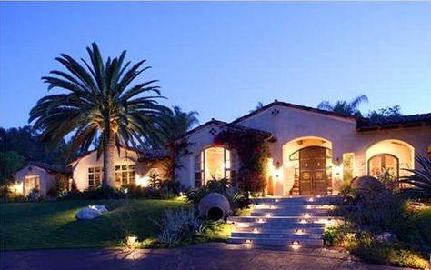 santa fe home via luxuryhomes.com