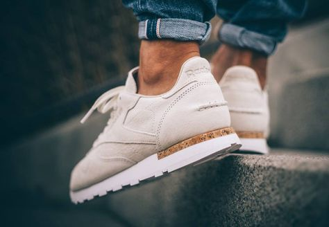reebok classic leather lst suede trainers in blanche