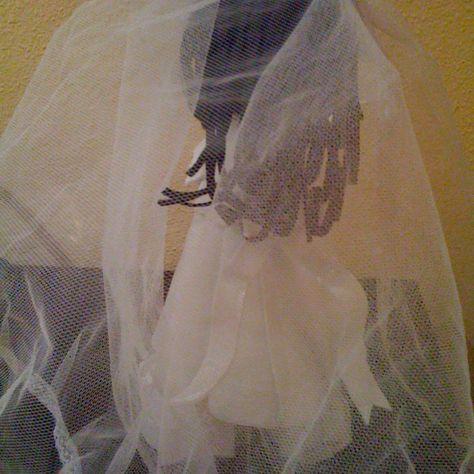 Fofucha novia detalle velo/Bride fofucha doll - detail of veil