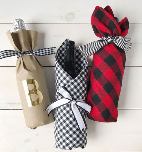 Hostess Gifts, Wine, and DIY Wrapping Ideas. Wine Bottle Gift, Wine Gifts, Diy Gift For Bff, Wrapped Wine Bottles, Wine Gift Baskets, Basket Gift, Gift Wraping, Host Gifts, Homemade Gifts