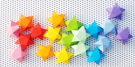Creare stelle di carta tridimensionali utilizzando sagome pronte da stampare gratis in PDF