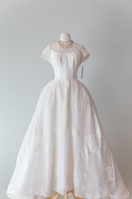 Xtabay Vintage Clothing Boutique Portland Oregon Wedding Dresses Lace Wedding Dress Vintage Wedding Gowns Vintage