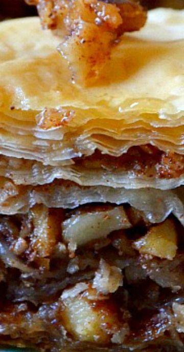 Best Ever (Easy!) Baklava Best Ever (Easy! Unique Desserts, Fun Desserts, Delicious Desserts, Dessert Recipes, Yummy Food, Greek Desserts, German Desserts, Fudge, Graham