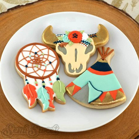Glitzy and colorful Boho cookies are all the rage nowadays. Here are a few design ideas with available cookie cutters to get your free spirited party going!