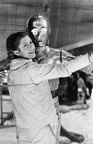 You could do a whole series on Carrie Fisher leaning on/dancing with/being carried by/sitting on the shoulders of/kissing/inappropriately touching/clowning around with other Star Wars characters. Star Trek Enterprise, Star Trek Voyager, Carrie Fisher Birthday, Anthony Daniels, Starwars, Star Wars Cast, Han And Leia, Star Wars Pictures, Star Wars Wallpaper