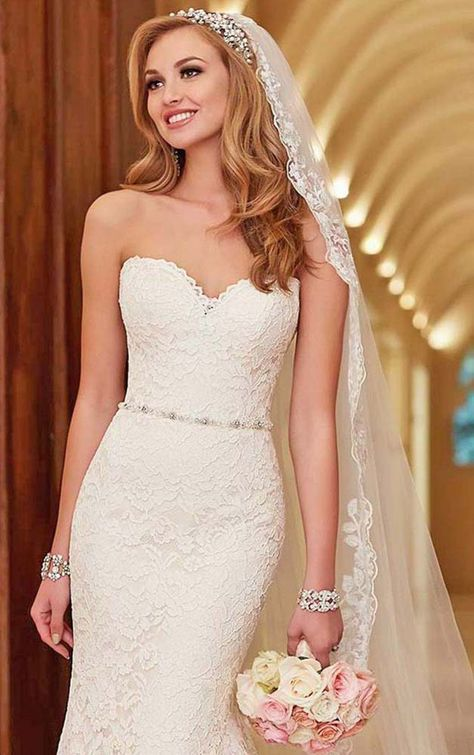 Ideas Wedding Hairstyles For Strapless Dress The Bride Curls Bride Headpiece Veil Hairstyles Bridal Headpieces