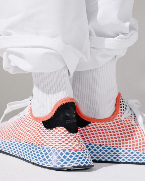Streetwear! Shop Now: http://www.setuptheupset.com https://www.sneakersnstuff.com/en/973/adidas-originals-deerupt Adidas, Deerupt, Minimalist look can be bold! the meshed fabric has add dimension to the product! #Sepideh, #Project3