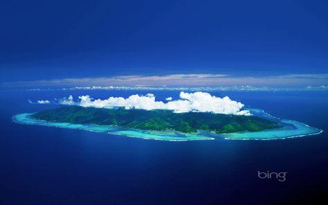 Bora Bora Island With Clouds Hovering Bora Bora Island