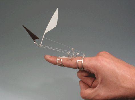 kinetic rings mimic the flight of birds - by Dukno Yoon