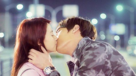 """""""Emergency Couple"""" Episode 20: Favorite Scaps Of OTP Moments   Couch Kimchi"""