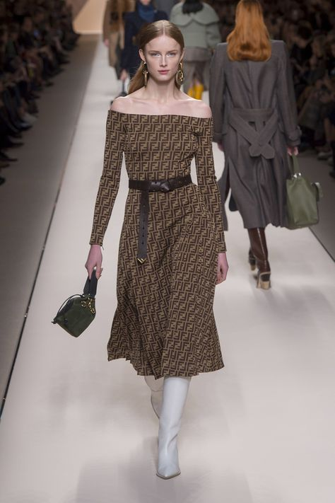 The complete Fendi Fall 2018 Ready-to-Wear fashion show now on Vogue Runway. #FashionTrends2018