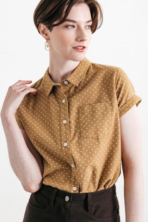 Fitted button up shirt - Womens Button Up Shirt Womens, Short Sleeve Button Up, Button Up Shirts, Floral Button Up, Casual Tops For Women, Aesthetic Clothes, Shirt Outfit, Shirt Style, Cute Outfits