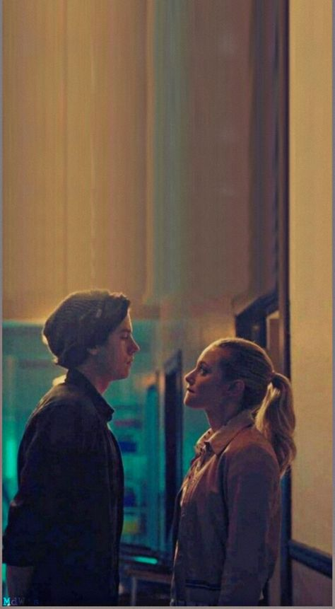 Betty e Jughead wallpaper