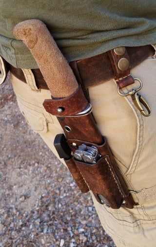 Ultimate Outdoor Utility Belt: 6 Steps (with Pictures) Leather Holster, Leather Pouch, Leather Tooling, Leather Tool Belt, Leather Jewelry, Leather Bags, Leather Knife Sheath Pattern, Leather Pattern, Crea Cuir