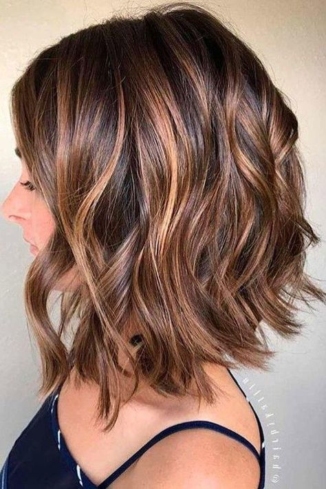 Chestnut Brown with Heavy Caramel Balayage hair, WATCH: Beautiful Balayage Highlights Inspiration for Your Next Salon Visit Fall Hair Color For Brunettes, Fall Hair Colors, Short Hair Colors, Good Hair Colors, Hair Styles With Color, Hair Cuts And Color Ideas, Low Lights For Brunettes, Highlighted Hair For Brunettes, Hair Cut Ideas
