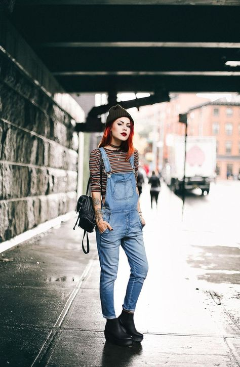 Creative and comfy womens boot outfit. Outfits ideas for Dr