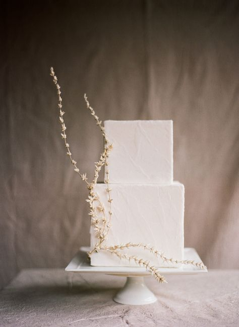 Serene, Asian Inspired Wedding Shoots What do you think of this wonderfully architectural wedding cake?What do you think of this wonderfully architectural wedding cake?