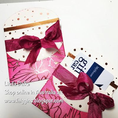 We All Know That Gift Cards Make Great Gifts Especially For That Hard To Buy For Person But What S Ev Gift Cards Money Gift Card Holder Diy Gift Card Holder