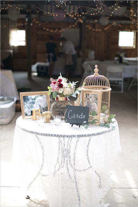 wedding welcome table @weddingchicks