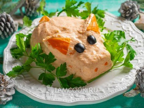 Салат с лососем на Новый год Свиньи — рецепт с фото пошагово