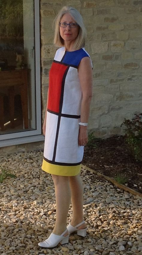 I have always loved this iconic dress, from Yve St Laurent's 1965 collection. He based that collection on the paintings of modern Dutch artist Piet Mondrian. He owned a Mondrian which was displayed...