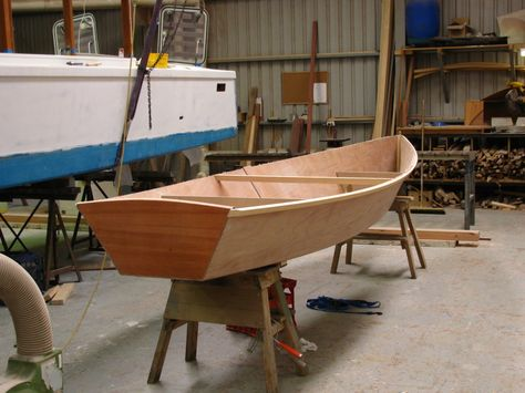 15 1 2 Ft Rowboat Easy Pretty Plywood Rowboat Plan Wooden Boat Plans Sailboat Plans Row Boat