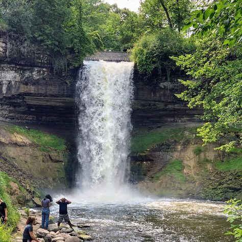 29 Spontaneous Day Trips That Are Less Than 3-Hours Away From Minneapolis - Narcity