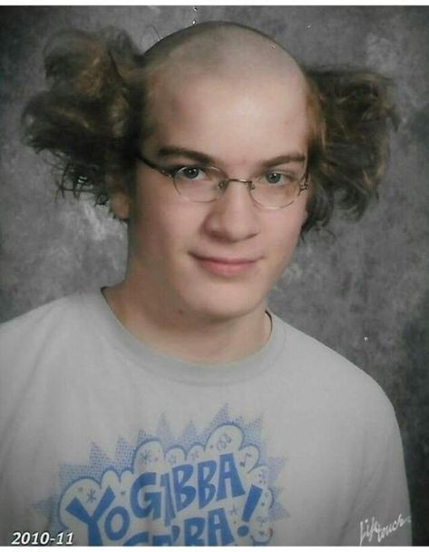 People sometimes try to attract others by becoming over fashionable and experiment with their hair. Here is the came of it which looks very funny. Check 19 funny pics of weird hairstyles that are totally ridiculous.