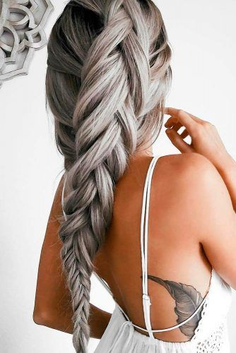 36 Amazing Graduation Hairstyles For Your Special Day Graduation Hairstyles Hair Styles Plaits Hairstyles