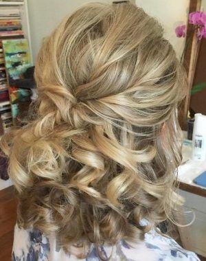 Frisuren Standesamt Halblang Frisuren Frisurenstandesamthalblang In 2020 Frisur Standesamt Haare Hochzeit Hochzeitsfrisuren Mittellanges Haar