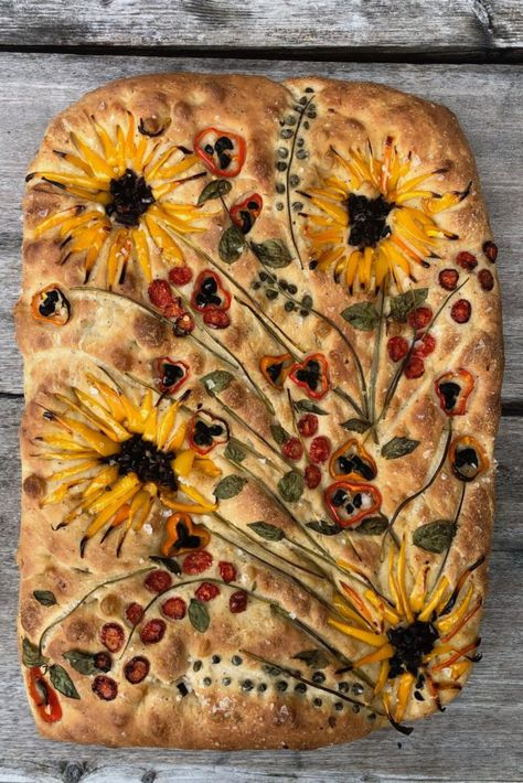 This Focaccia Garden-Variety Flatbread - The New York Times Colorful Vegetables, Raw Vegetables, Edvard Munch, Bread Recipes, Cooking Recipes, Scd Recipes, Dessert Recipes, Quiche Recipes, Spinach Recipes