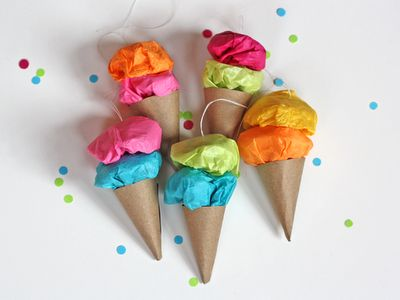 Easy peasy tissue + kraft paper ice cream ornaments!